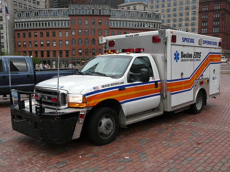 800px-Boston_-_ambulance